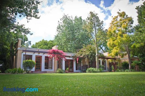 Willowbrook Country House - Somerset West - Building