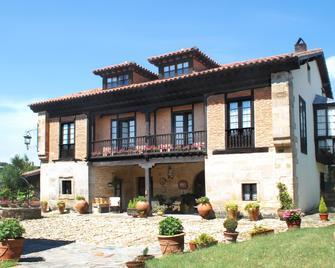 Posada Andariveles - Reocín - Building