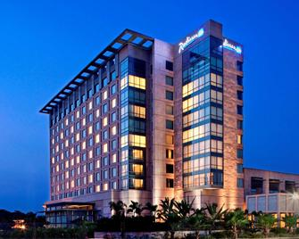 Radisson Blu Hotel Amritsar - Amritsar - Building