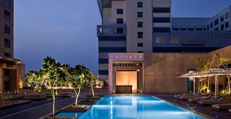 麗笙布魯阿姆利則酒店 - 阿姆利則 - 阿姆利則 - 游泳池