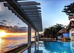 Jaimee's Hotel Resort & Restaurant - Maasin - Pool