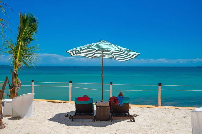 尚西巴渡假村金色鬱金香酒店 - 桑吉巴城 - 桑給巴爾 - 游泳池