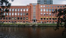 Clinknoord Hostel - Amsterdam - Building