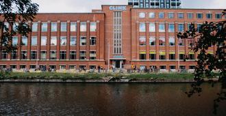 كلينك نوورد - هوستل - امستردام - مبنى