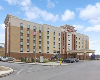 Hampton Inn & Suites Morgantown / University Town Centre - Morgantown - Gebäude