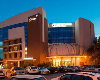 Hotel On Plonge Jr. - Constanţa - Building