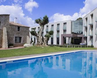 Hotel Can Galvany Golf & Spa - Vallromanes - Pool