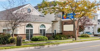 Comfort Inn Lakeside - Mackinaw City - Gebäude