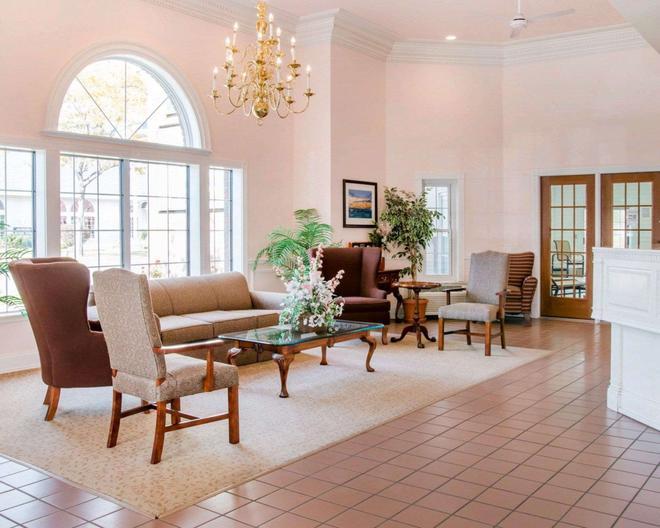 Comfort Inn Lakeside - Mackinaw City - Lobby