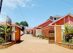 Thames Hotel - Entebbe - Rakennus