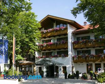 Hotel Maximilian - Oberammergau - Building