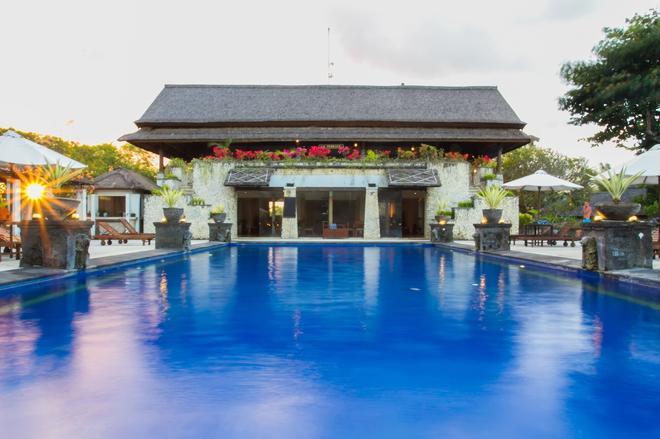 Sekar Nusa Villas - South Kuta - Bể bơi
