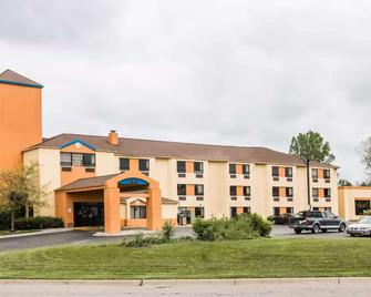 Days Inn by Wyndham Flint/Bishop International Airport - Флінт - Building
