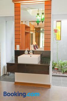 莫萊克別墅飯店 - 蘭卡威 - 浴室