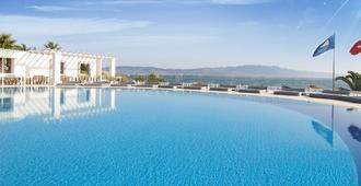 Isis Charm Beach Hotel - Bodrum - Pileta