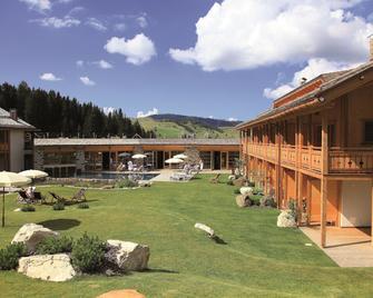 Tirler - Dolomites Living Hotel - Castelrotto - Edificio