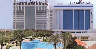 The Diplomat Radisson Blu Hotel Residence & Spa - מאנאמה