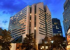Embassy Suites Indianapolis Downtown - Indianapolis - Building