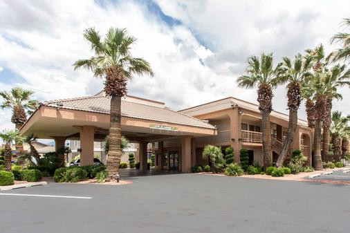 Quality Inn Saint George South Bluff - Saint George - Building