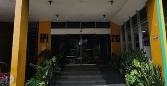 Plaza Hotel Manaus - Manaus - Edificio