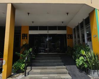 Plaza Hotel - Manaus - Building