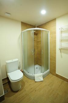 Best Western Tbilisi Art Hotel - Tbilisi - Phòng tắm