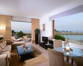 Mövenpick Resort El Sokhna - Айн-Сохна - Вітальня