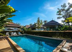 喜馬蕃精品度假酒店 - 奈通海灘 - 游泳池