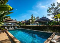 Himaphan Boutique Resort - Най-Тон-Бич - Бассейн