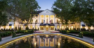 Williamsburg Inn - A Colonial Williamsburg Hotel - Williamsburg - Building