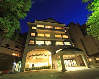 新瀧千年日式旅館 - 會津若松 - 建築