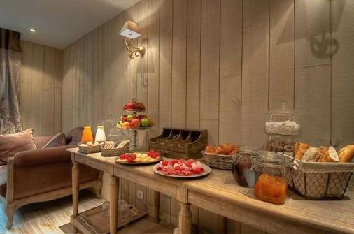 Cluny Square - Pariisi - Buffet