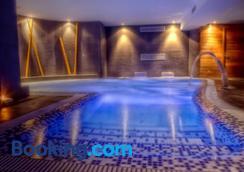 蘇安塞斯碼頭水療酒店 - 蘇安塞斯 - 游泳池