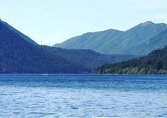 Lake Crescent Lodge - Port Angeles - Outdoors view