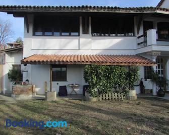 La Terrazza Mombarone - Asti - Gebäude