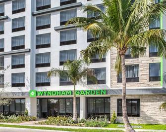 Wyndham Garden Ft Lauderdale Airport & Cruise Port - Dania Beach - Building