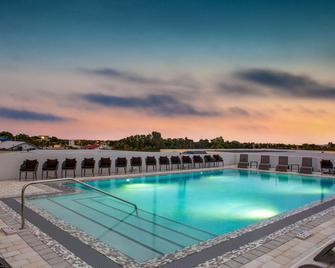 Wyndham Garden Ft Lauderdale Airport & Cruise Port - Dania Beach - Bazén
