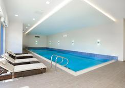 赫斯頓海德酒店 - 漢斯洛 - 豪士羅 - 游泳池
