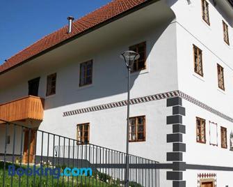Juvanova hisa - Luce - Building