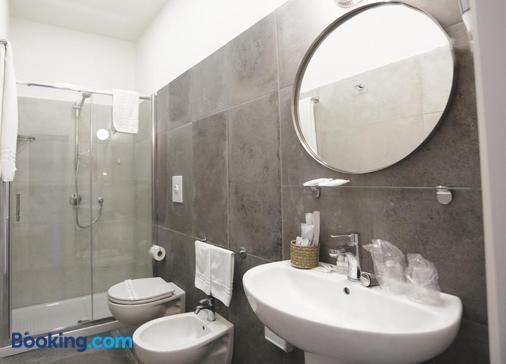波維歐廣場22號酒店 - 那不勒斯/拿坡里 - 浴室