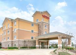 Hawthorn Suites by Wyndham Longview - Longview - Building