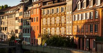 Aparthotel Adagio access Strasbourg Petite France - סטרסבור - בניין