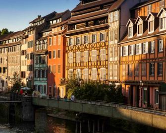 Aparthotel Adagio access Strasbourg Petite France - Strasbourg - Building