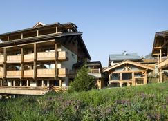 Best Western Chalet Les Saytels - Le Grand-Bornand - Building