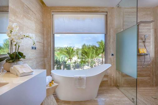 Eden Roc at Cap Cana - Punta Cana - Bathroom