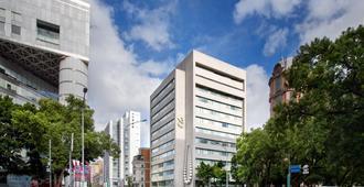 โรงแรมเอส | ออกแบบโดยฟิลิปป์ สตาร์ก - ไทเป
