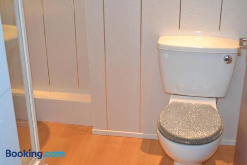 Holmlea Guest House - Blackpool - Phòng tắm