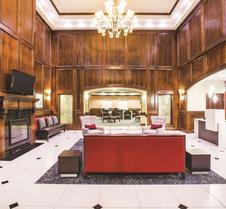 La Quinta Inn & Suites by Wyndham Allen at The Village