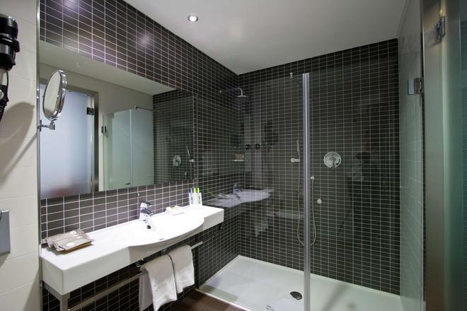 Axor Barajas - Madrid - Bathroom