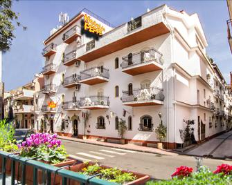 Hotel Da Peppe - Letojanni - Building